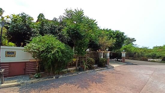 ขาย บ้านเดี่ยว 2 ชั้น หมู่บ้านไอยรา เบย์วิว อ่างศิลา เมืองชลบุรี 94 ตร. วา 4. 95 ล้าน ใกล้ทะเล อ่างศิลา
